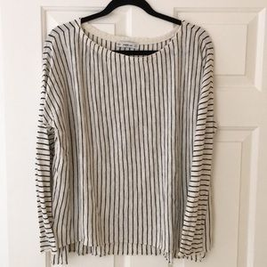 Pullover light sweater